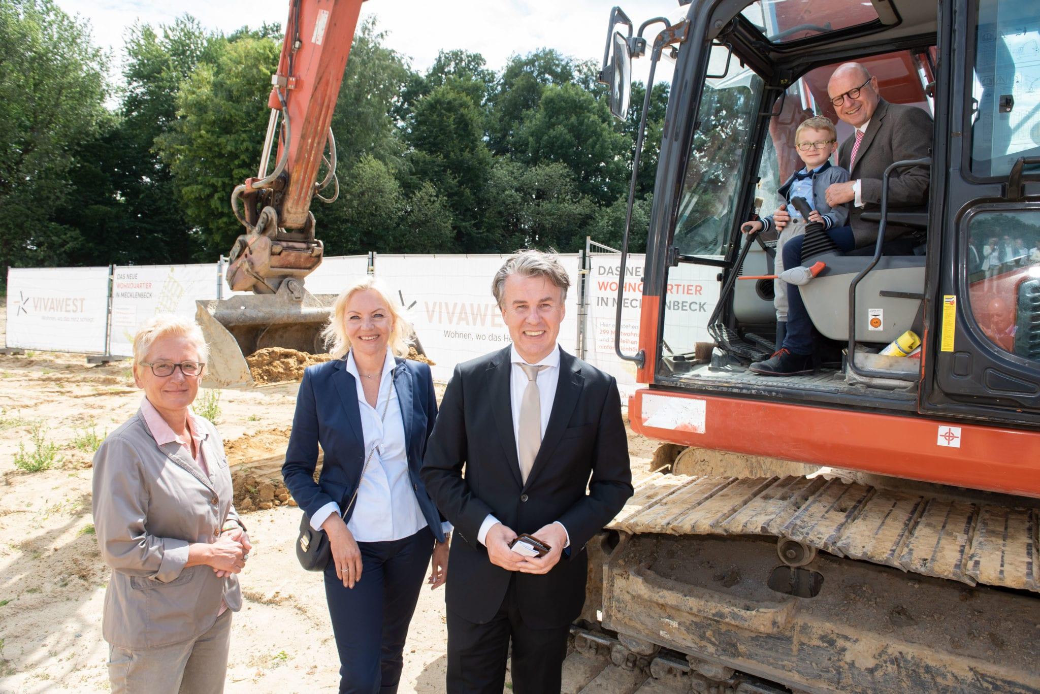 1. Spatenstich für den Bau von rund 300 neuen Mietwohnungen und 34 Reiheneinfamilienhäusern in Münster-Mecklenbeck